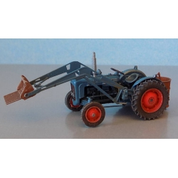 Artitec 387.313 Tractor FORD, scale HO.