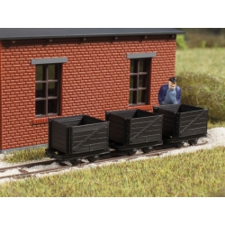 Tipper wagonsfor narrow gauge railway, scale HO.