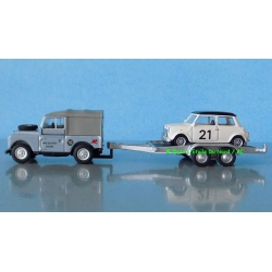 Schuco 26327 Land Rover with Mini, scale HO.