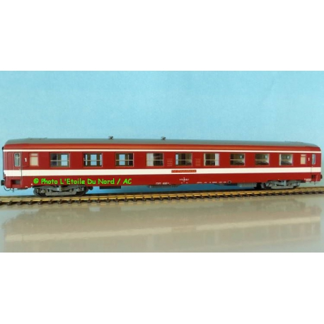 REE VB 120 Coach UIC Capitole of SNCF, scale HO.