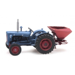 Artitec 387.347 Tractor Fordson with fertilizer, scale HO.